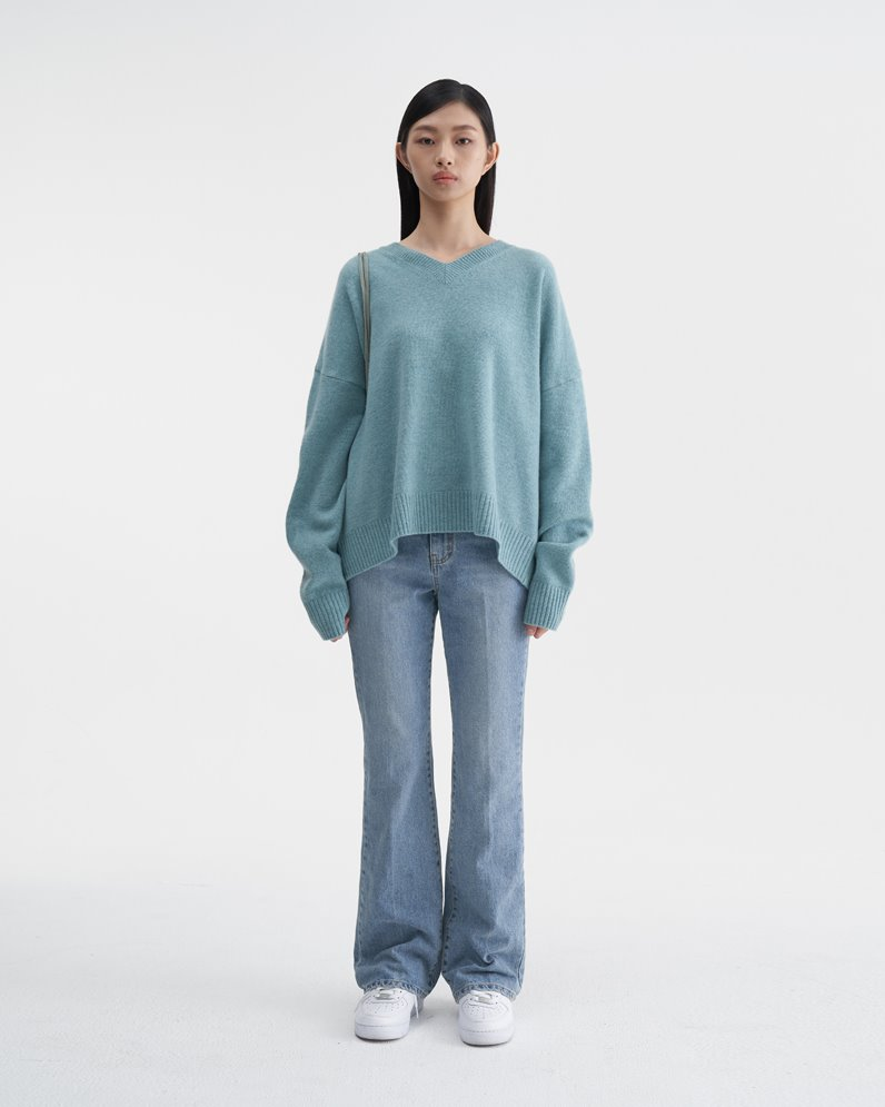 Cashmere Vneck Sweater (MINT)ATELIER EDITION