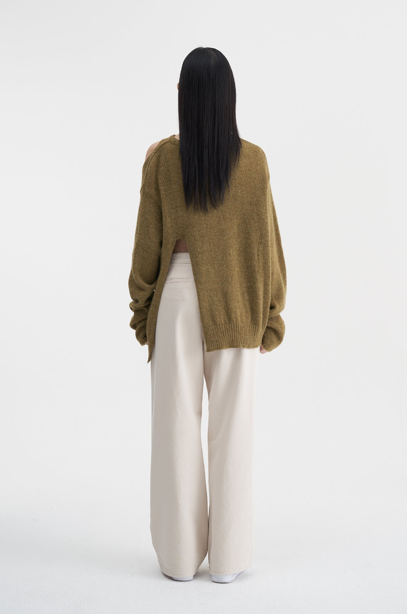 Open Shoulder Sweater (KHAKI)_10/30 순차출고