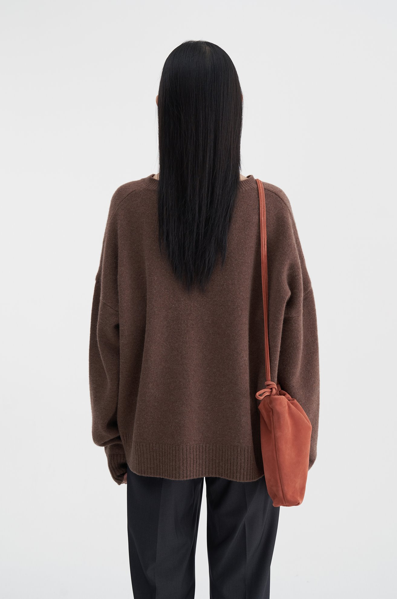 Cashmere Vneck Sweater (BROWN)ATELIER EDITION