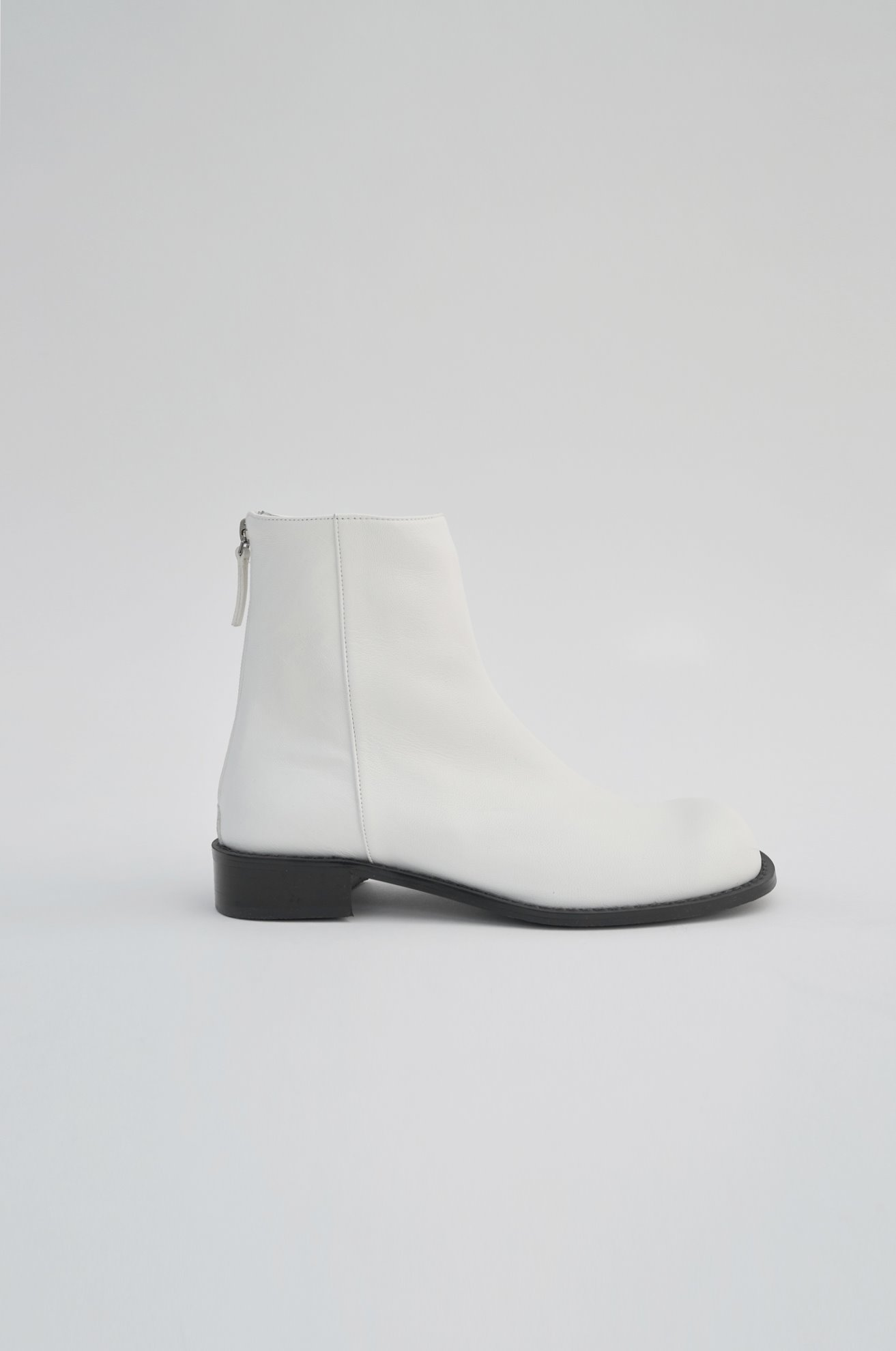 Round Toe Ankle Boots (WHITE)