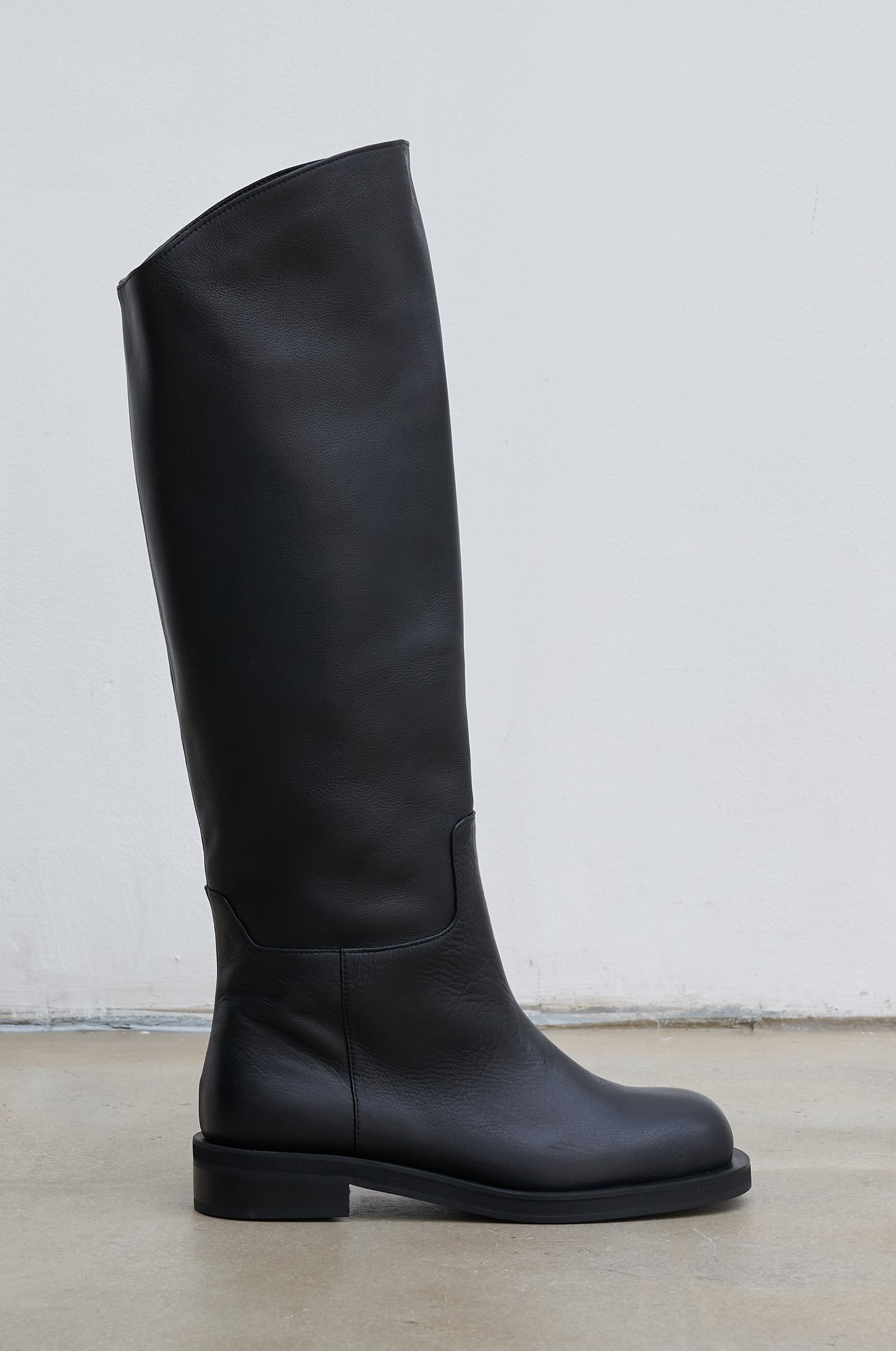 Cow leather long boots