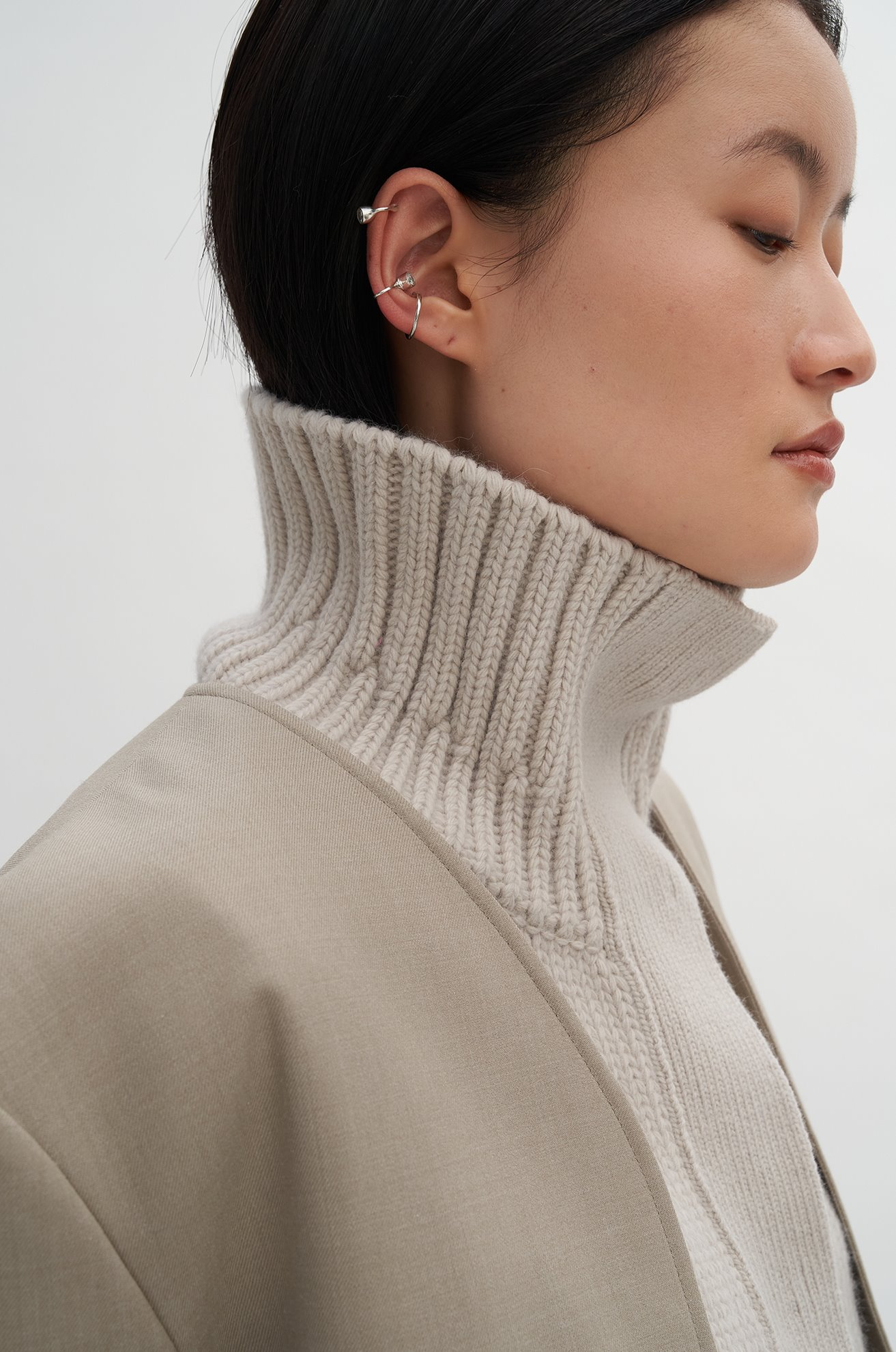 Sleeveless Turtleneck Cardigan
